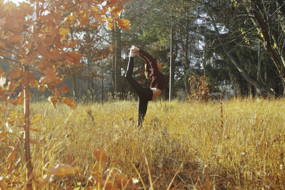 yoga Thanksgiving marketing, fall outdoor yoga