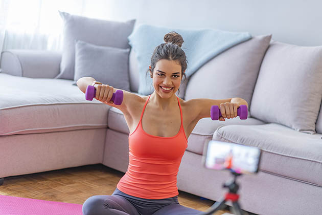 fitness industry, fitness trainer and online video