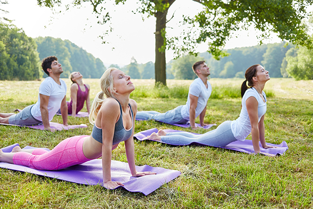 outdoor classes, yoga in the park