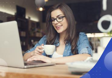 Facebook ads, woman at computer