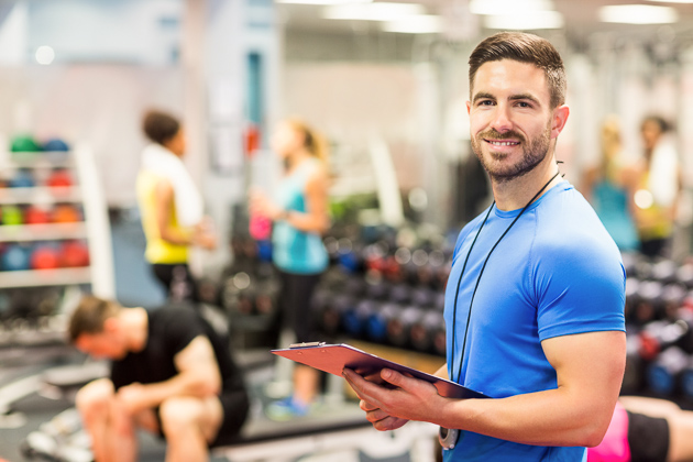 how to upsell gym memberships, trainer in gym